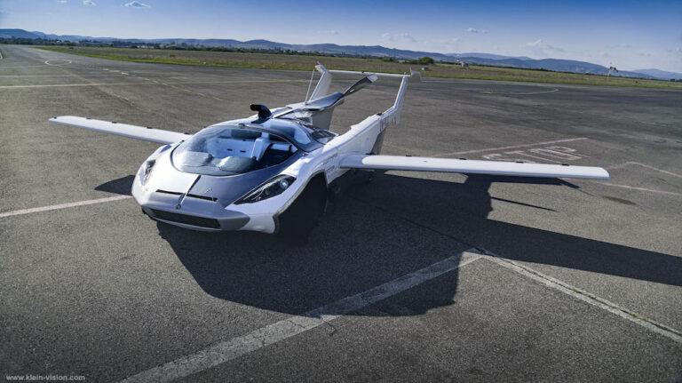 【スロバキア】クライン・ビジョン、空陸両用車AirCarの都市間フライトに成功。米国ではテラフージアも開発