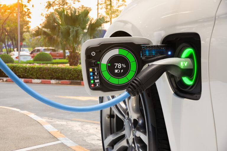 【ヨーロッパ】新車の1キロ当たりCO2排出量、2020年に12%減少。EVシェアが3倍に増加